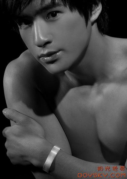 绝色少年演绎托尼曼饰品 - 男色天下 - nanse1069 的博客