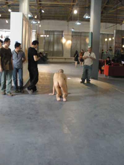 5月4日上演人与狗的行为艺术 - 张羽魔法书 - 张羽魔法书