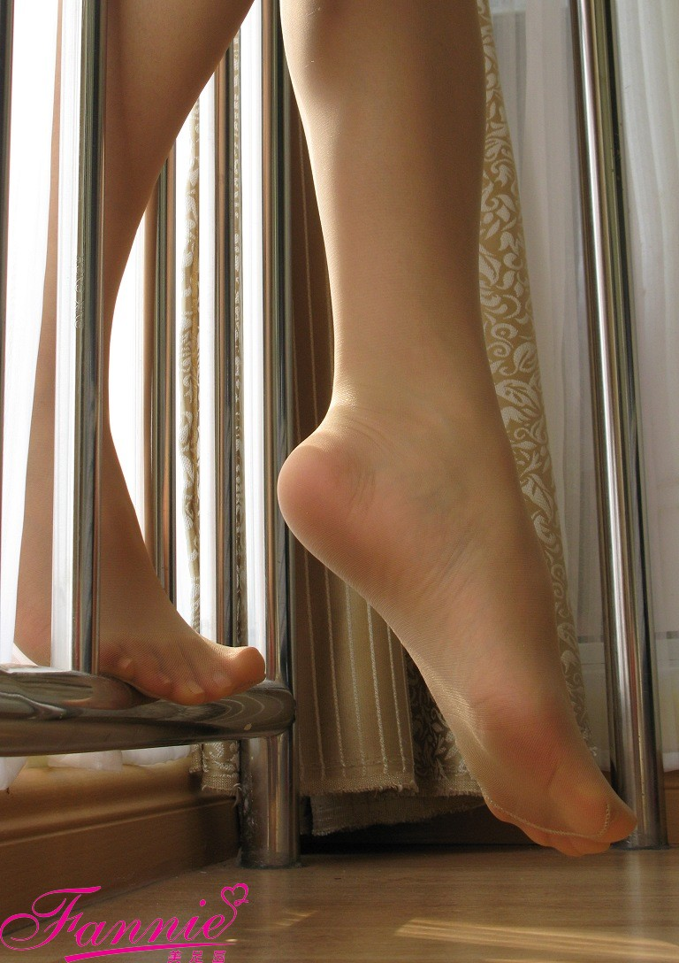 暖阳倾洒,丝丝入目(上) - 喜欢光脚丫的夏天 - 喜欢光脚丫的夏天