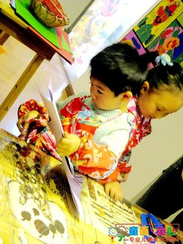 童画童心08秋季启蒙A班美术活动16——圣诞树挂件 - 童画-童心儿童美术 - 童画-童心儿童美术