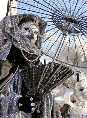 意大利的传统特色工艺:威尼斯面具 - 五线空间 - 五线空间陶瓷家饰