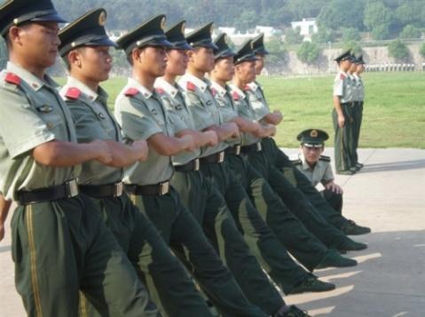 训练 - 披着军装的野狼 - 披着军装的野狼