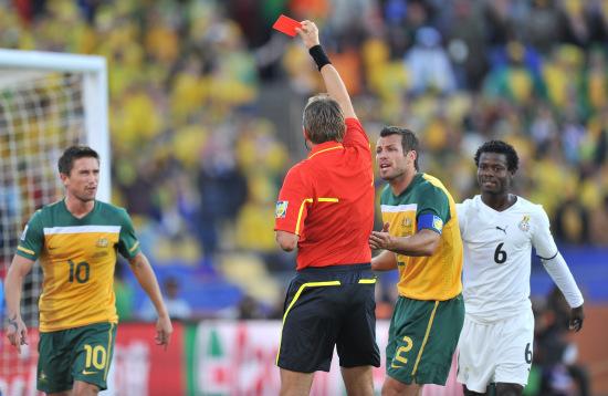 图文-[小组赛]加纳VS澳大利亚科威尔不幸染红