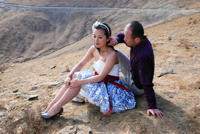 绝对浪漫:在西藏圣湖边拍婚纱照 - 阿文 - tibet52的博客