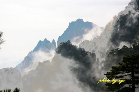 [原创]万里迎春26--神奇黄山《踏莎行》 - 自由诗 - 人文历史自然 诗词曲赋杂谈