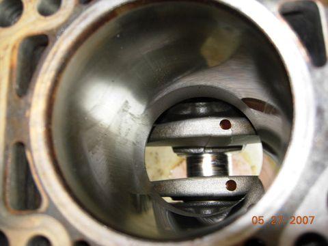 钢桶严重磨损   桑塔纳3000   曲轴严重磨损   机油泵   高清图片