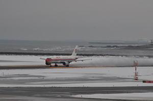 今天还能飞行吗?—日本机场雪天应急措施 - 偶尔一笔 - 璨鸟--偶尔一笔