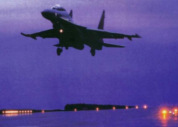 中国战机黄海罕见夜训意图曝光:专打美军航母