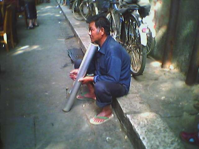 云南玉溪:水烟管和40年陈普洱 - yuleiblog - 俞雷的博客