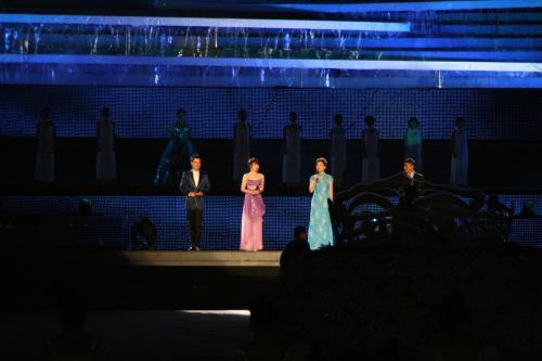 大连市体育场的最后一次演出 - 杨澜 - 杨澜 的博客