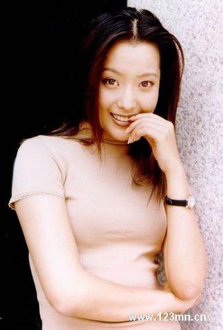 韩国美女明星金喜善写真美图文 - 秋雨 - 秋雨 雨耐不住寂寞 就飘了下来