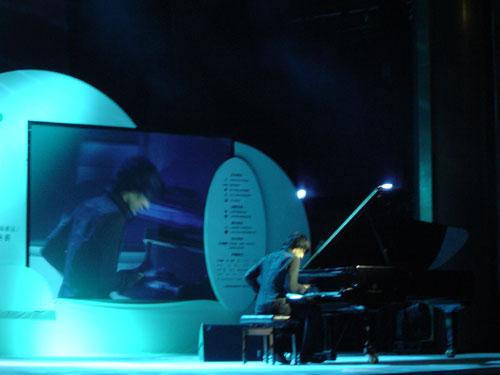 亚洲新古典王子 钢琴圣手马克西姆简介及伦敦演奏会作品 - 心问 -
