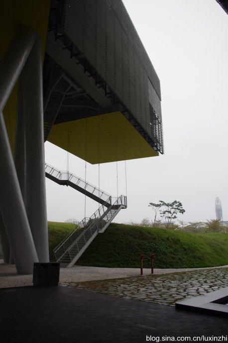 悬空加横卧的摩天大楼,最拉风的企业总部! - 陆新之 - 陆新之的博客