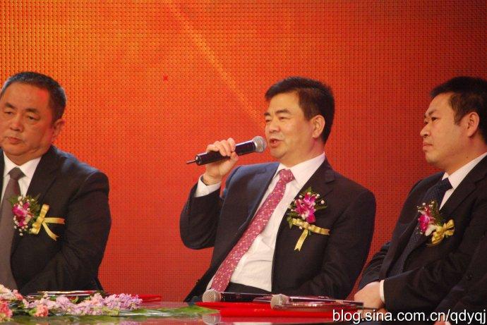 2009年度青岛经济成就奖颁奖盛典 - 于清教 - 产业智慧。商业思维。
