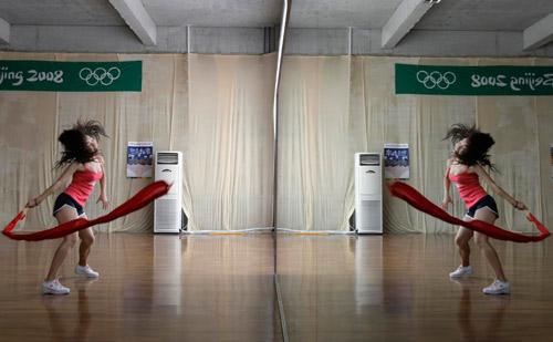 奥运啦啦队的五彩相(组图) - 潇彧 - 潇彧咖啡-幸福咖啡