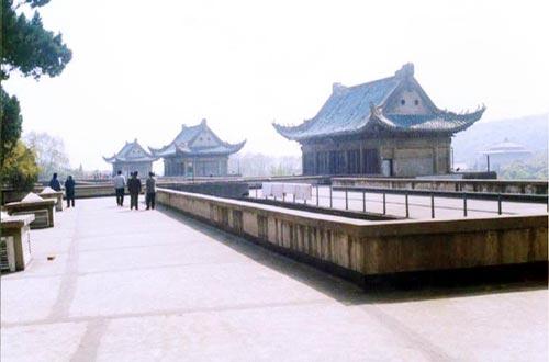 探寻武汉大学建筑