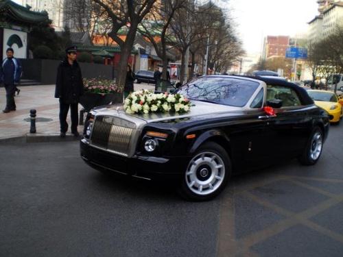 最牛的婚礼车队_中国最豪华婚礼车队
