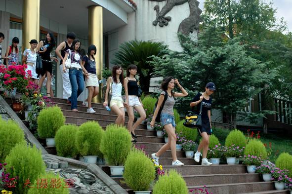 """(原创)""""西模中国""""美女在龙泉湖之二 - 高山长风 - 亚夫旅游摄影博客"""