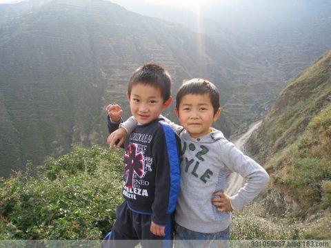 〖原创摄影〗陇南山村的孩子 - 常随佛学 - 常随佛学 网易博客