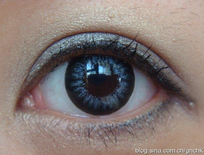 NARS 雙色眼影 Egea 灰黃紫色真眼試妝 - 小住住 - 住住美妝瘦身分享 (網易版)