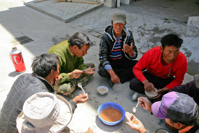 实拍:藏族渔民制作生鱼酱的全过程 - 阿文 - tibet52的博客