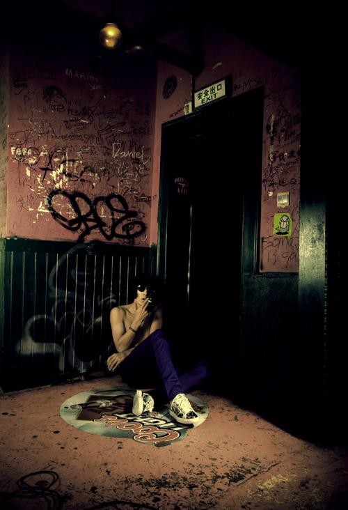 名模张亮视觉系大片:摇滚与色彩的碰撞 - 同志图片 - 帅哥图片