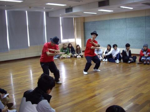 【anyclub】街舞队会在下学期