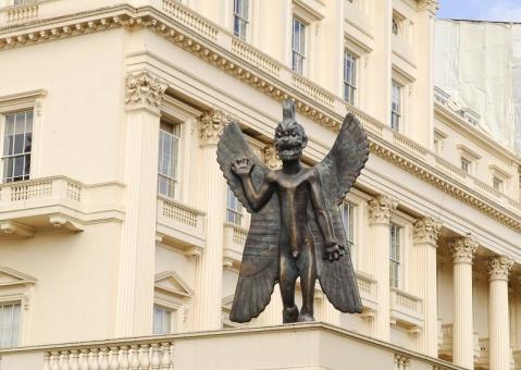 伦敦街头的雕塑 - pwezxjg - 凝听静思
