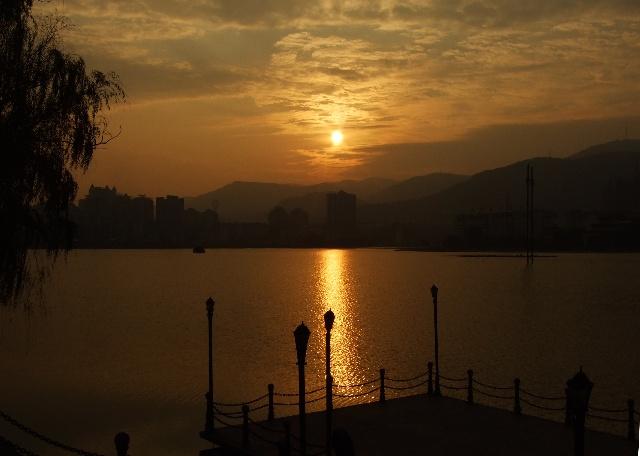 北京黄石千里行 巧遇磁湖红日升 - 侠义客 - 伊大成 的博客
