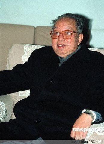 纪念一个厚道的人——华国锋同志(原创) - 与魔鬼跳舞之冷锋 - 法观天下:冷锋看法