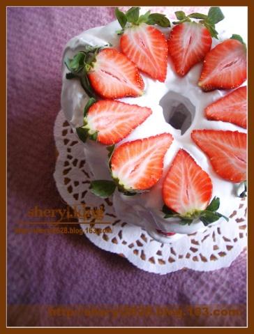 花生酱奶油草莓戚风蛋糕 - 出尘素影 - 淡极始知花更艳