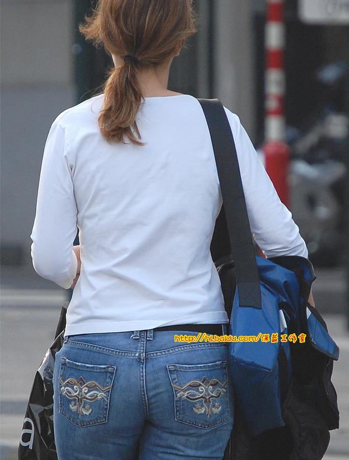 【首发美臀】紧身牛仔裤美女图片