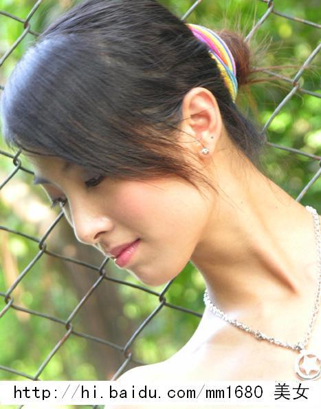 [8000张绝色美女生活照]--超级端庄的气质美女模特钱
