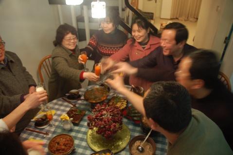 2009年元宵团圆饭 - Kangke - 站得越高,越知道自己渺小