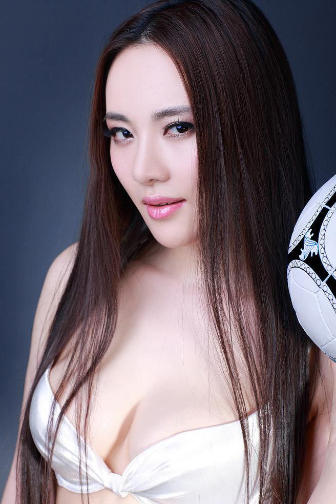 性感女星孟茜当足球宝贝 - ゞ☆風月俏佳人 - 風月俏佳人㊣東方麗人