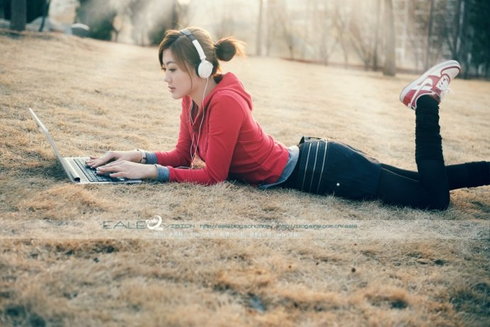 MINI LAPTOP GIRL - ealemailbox - ealemailbox的博客