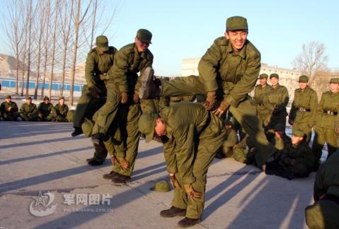 军人图片----快乐新兵连 - 披着军装的野狼 - 披着军装的野狼
