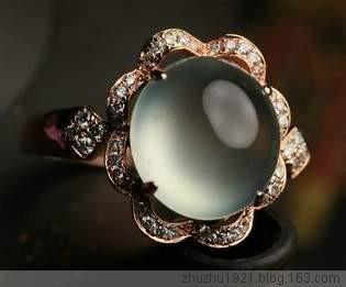 顶级珠宝--翡翠 - 燕   子 - 燕         子