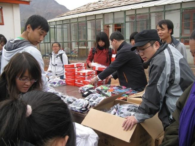 10月25日探访化旦尖措孤儿学校【林子】 - 西部旅行者 - 在贫困中寻找力量