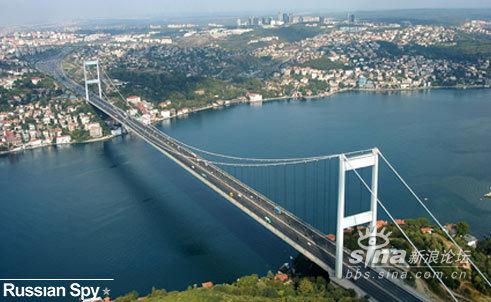 全球最惊险的10座大桥(组图) - Dengdefa看图说话 - 三分天注定,七分靠打拼,爱拼才会赢!