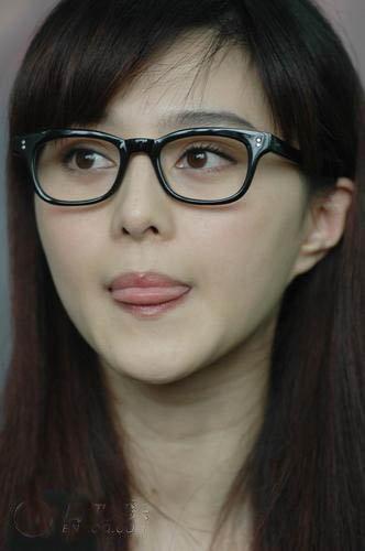 眼镜,你的时尚护照 - 月之海 - 月之海@View