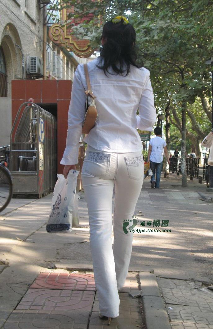 【转载】买早点的白仔裤紧臀妹妹 - zhaogongming886 - 东方润泽的博客