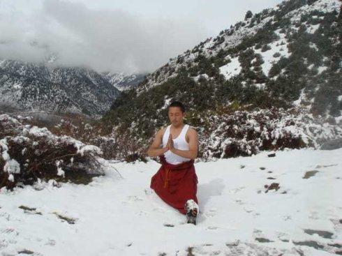 雪山瑜伽_山地瑜伽雪山静修中心