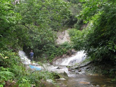 里坞坑瀑布(新昌的瀑布之二) - 江村一老头 - 江村一老头的茅草屋