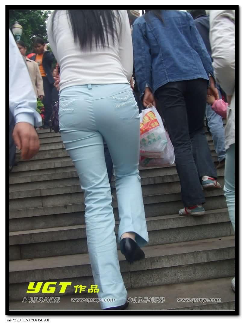 【转载】YGT最新作品--浅蓝薄裤丰臀少妇. - yt6265676 - 休闲吧