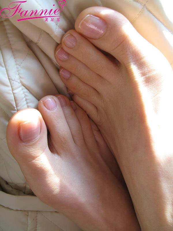 == 趾间嫣然 。宁煦 == - 喜欢光脚丫的夏天 - 喜欢光脚丫的夏天