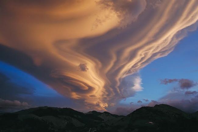 叹为观止!震撼壮美的天空奇迹 - 陌上闲云的日志 - 网易博客 - 萃文精选 - 萃文精选 博客文摘
