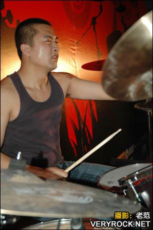 2007年10月27日 通州原创音乐节 - 异徒乐队演出现场 - 老范 - 老范的博客