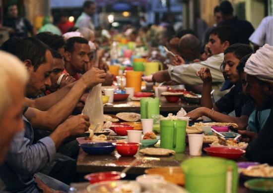 斋月结束,世界各地伊斯兰教徒迎来开斋节(组图) - 刻薄嘴 - 刻薄嘴的网易博客:看世界