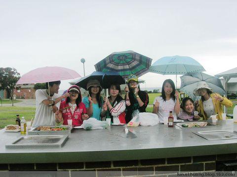 2008.11.28  之 巴B raining Q - H·S·L - hola,gday,aloha